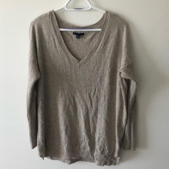 American Eagle V Neck Sweater